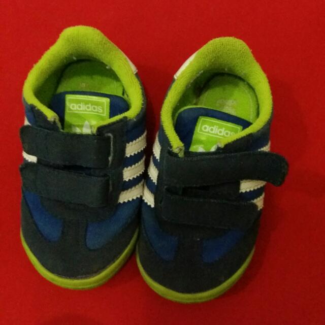Sepatu Adidas Untuk 1- 1,5 Thn