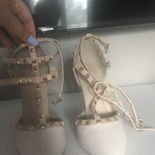 SIRENS Size 9 Pumps