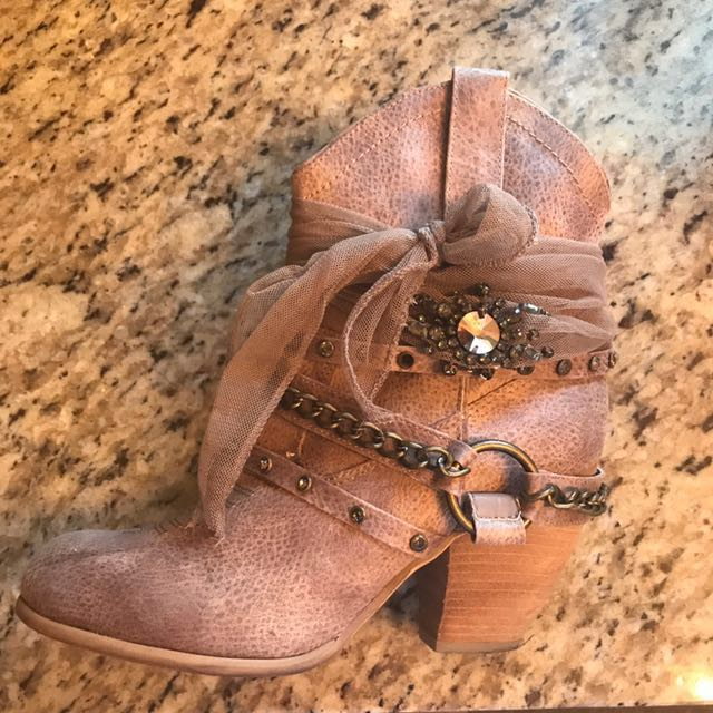 (Size 9.5) Beige BUCKLE Boots