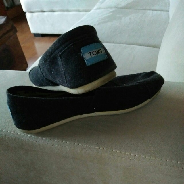 Toms size 7.5
