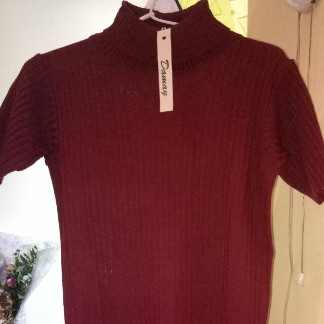 Turtleneck knit top(maroon) new with tag