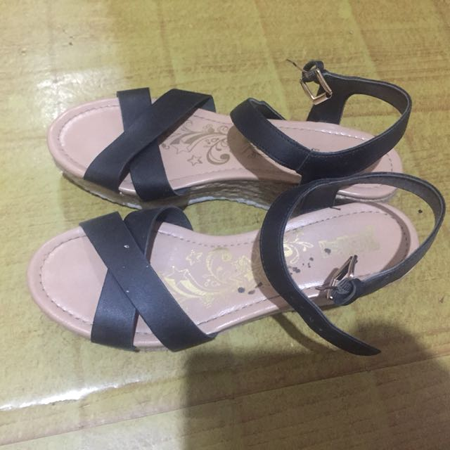 Wedges payless brash