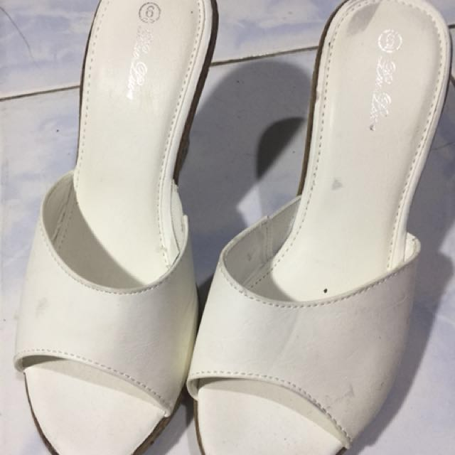 White wedge (*negotiable*)