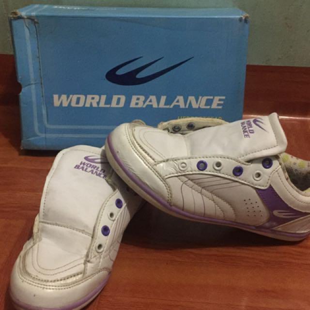 World balance white