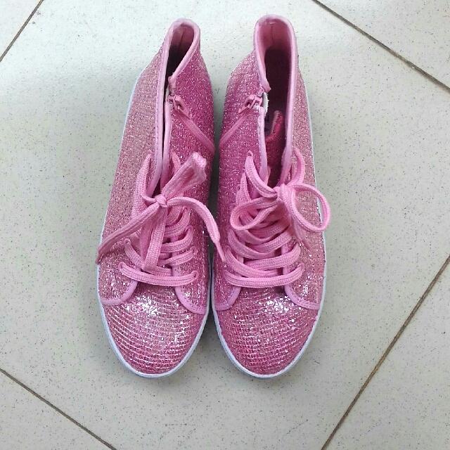ZALORA Glitter Shoes Pink