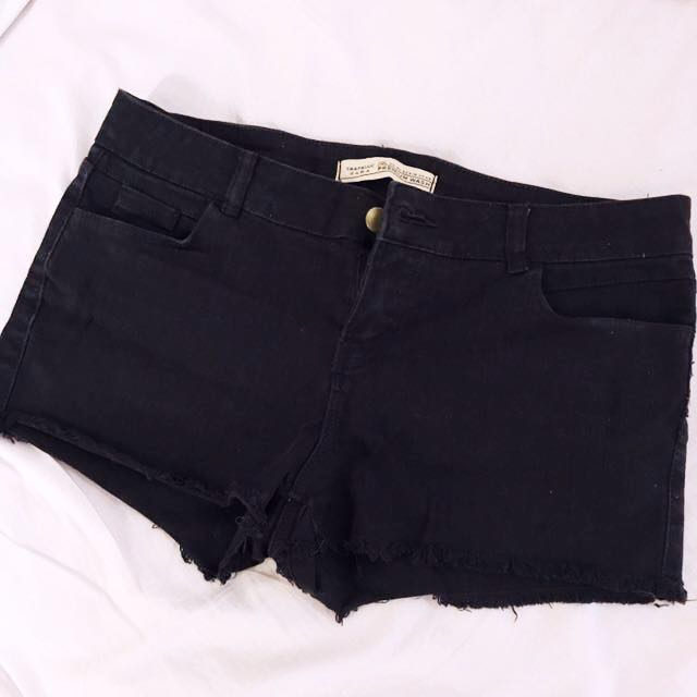 Zara Shorts *TAKE ALL 5 SHORTS FOR ONLY 1300*