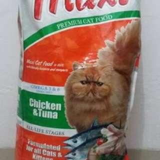 Maxi cat food