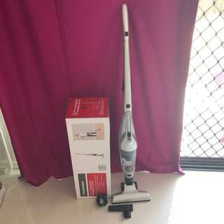 Homemaker rechargeable hand/stick vacuum