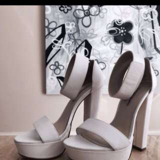 Windsorsmith White heels