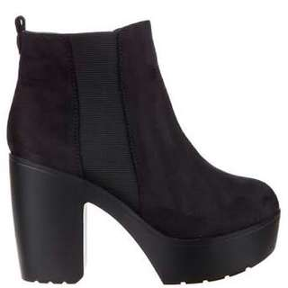 Black Heeled Boots Size 7