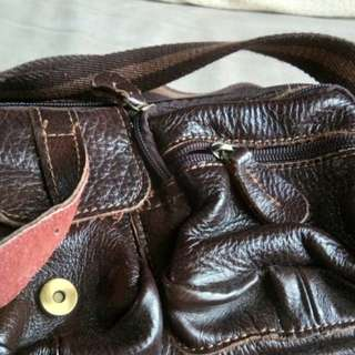 Tas slempang kulit Brown
