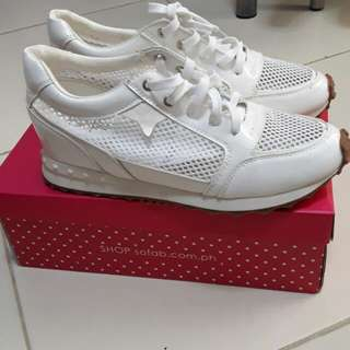 White rubbershoes/snickers Sofab