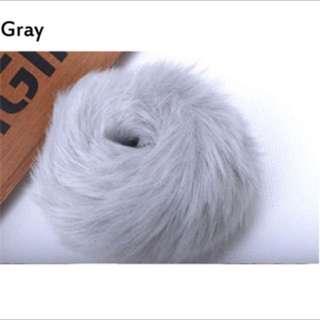 Ikat rambut bulu grey