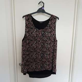 Jeanswest floral top size 16