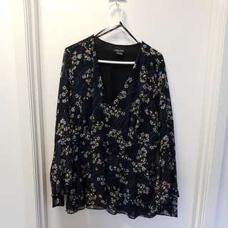 City chick navy/floral flow top size S