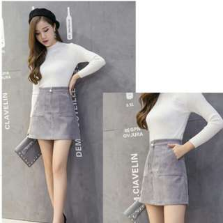 Grey Skirt with pearl zipper size S