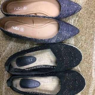2 pairs shoes (take both)