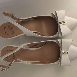 White cute low heel