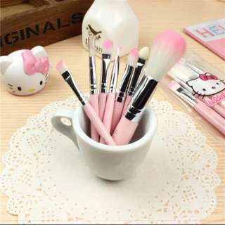 $7.90❗️BNIP❗️HELLOKITTY MAKE UP BRUSH SET