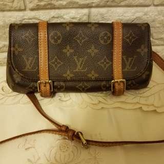 LV vintage wrist bag