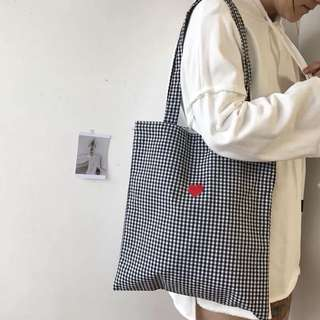 po | gingham / checkered tote bag