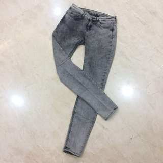 Zara Woman Denim Pants - 36
