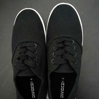 H&M 黑色悠閒鞋 (new)