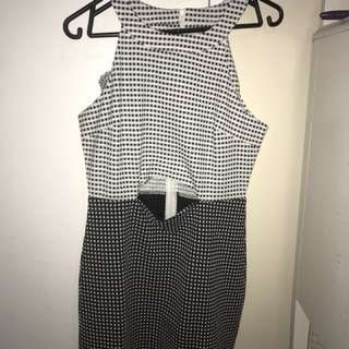 *NEW* Black and White dress