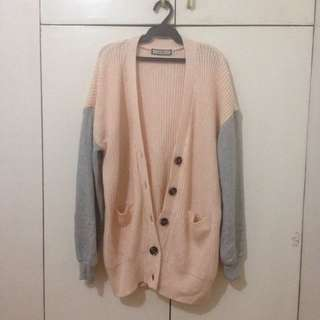 Knitted cardigan with cotton sleeves