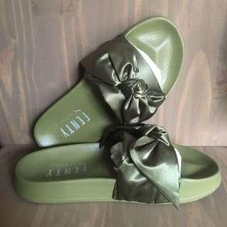 Puma Fenty Rihanna Bow Slides Olive Green Size 5.5 BRAND NEW IN BOX