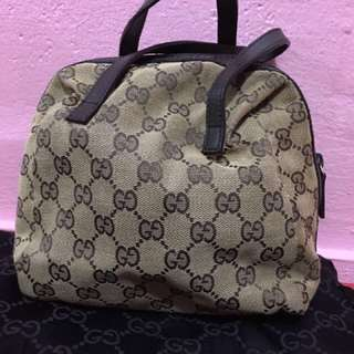 Gucci Tofu Bag Authentic Fast Deal At $150 Today Offer