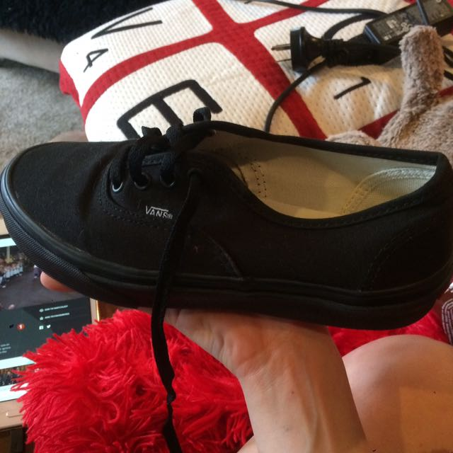22cm brand new black vans