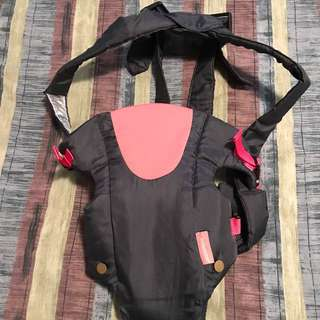 Infantino Cool vented carrier.