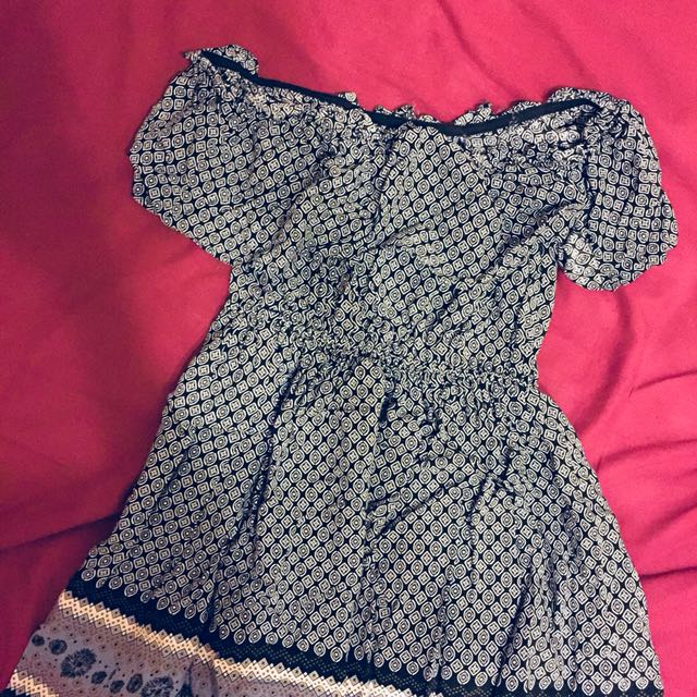 波希米亞圖紋一字領洋裝