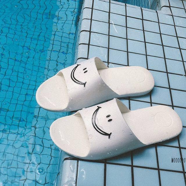微笑防水拖鞋