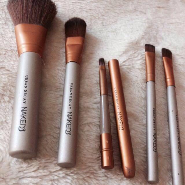 🌹 Urban Decay Naked3 brushes