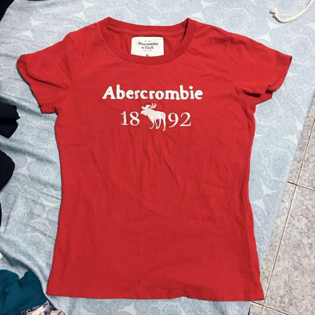 A&F 女版紅色T-shirt