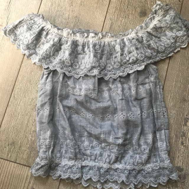 American eagle off the shoulder top size xs