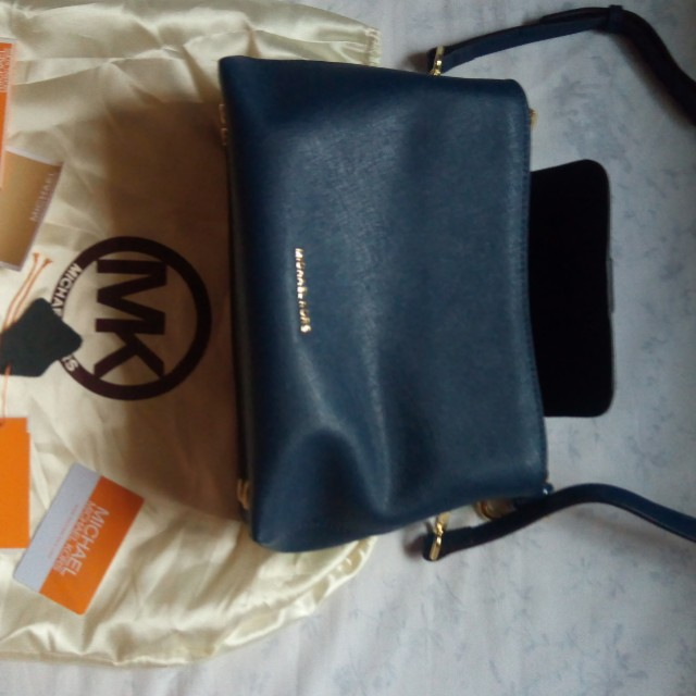 Authentic Michael Kors in Navy Blue (repriced)