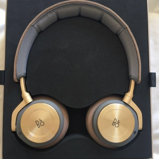 Bang and Olufsen H8 Wireless Headphones