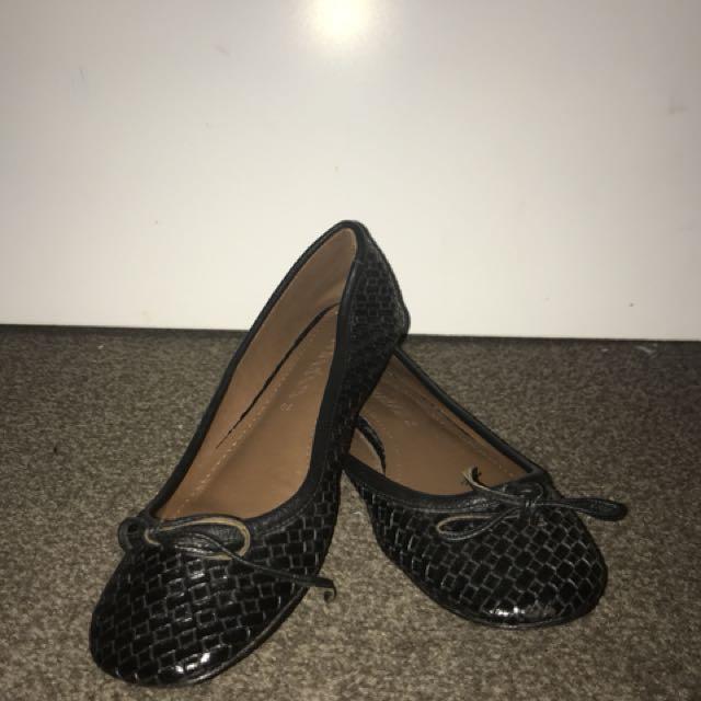 Black Flats shoes size 40
