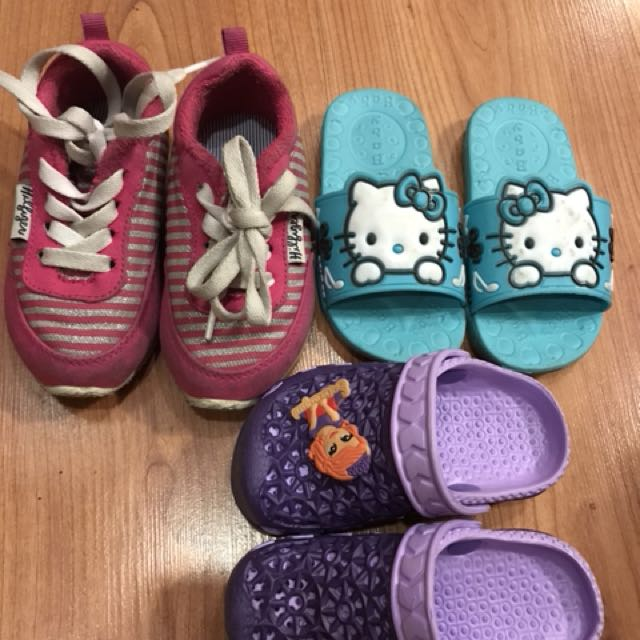 Bundle sale! Tommy Hillfiger rubber shoes and unused slippers
