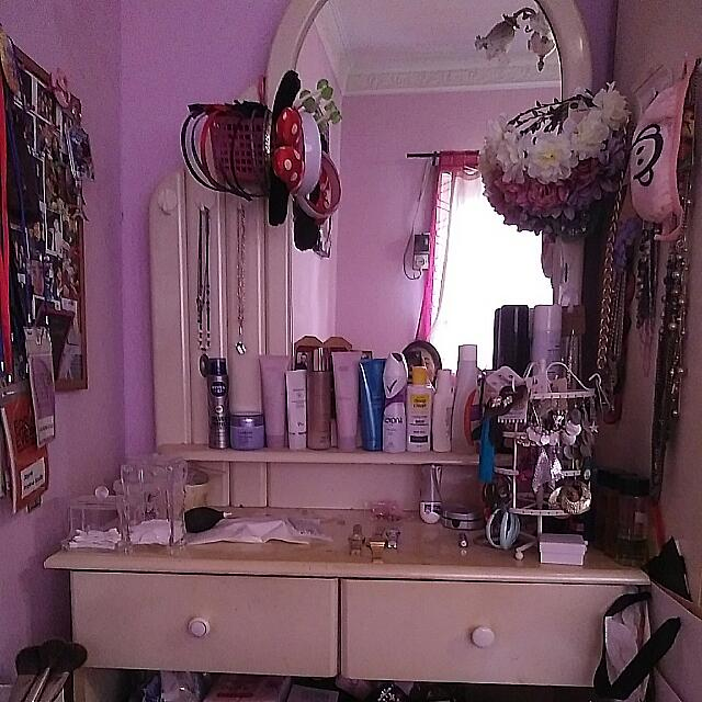 Dressing Table With 2 Drawers + Mirror