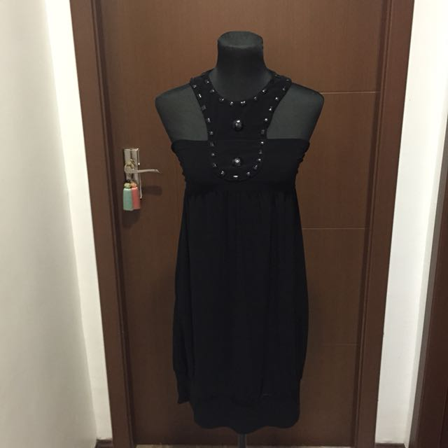 Generic Black Dress