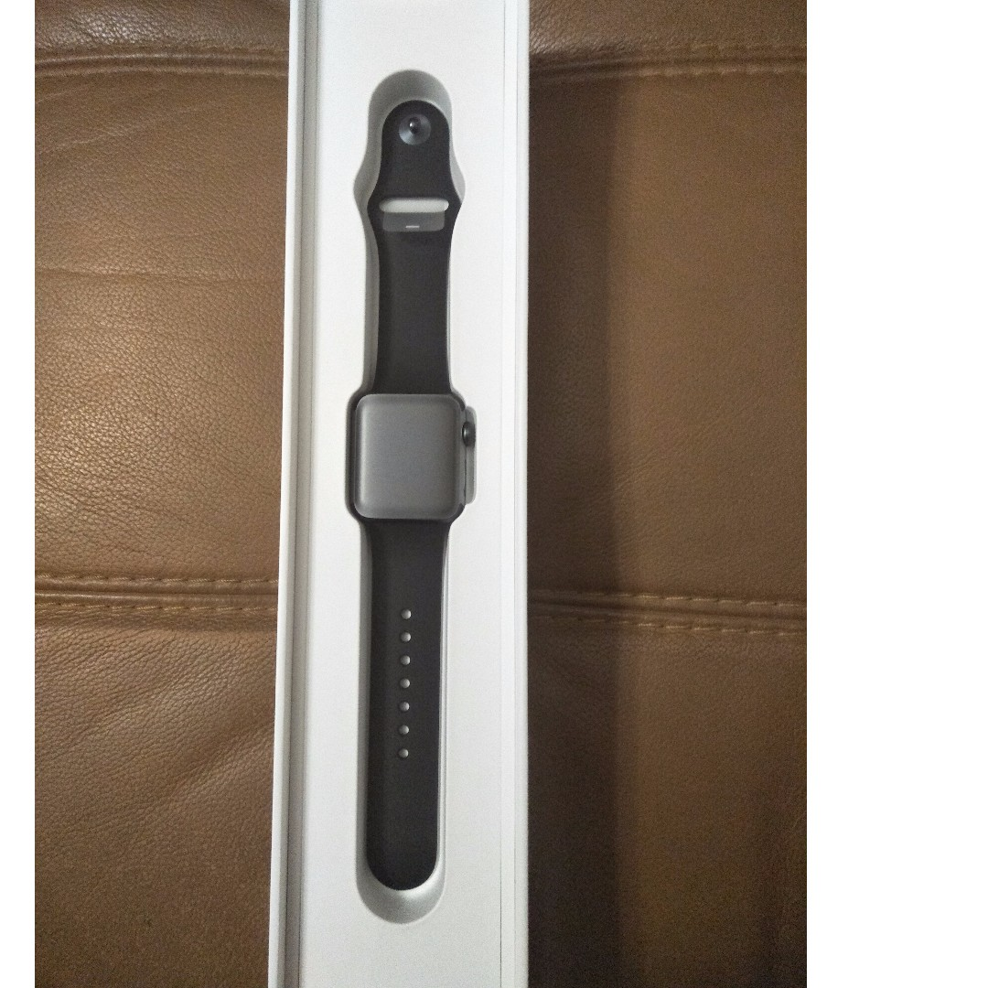 Apple iWatch Series 2 Space Grey 38mm with Black Sport Band