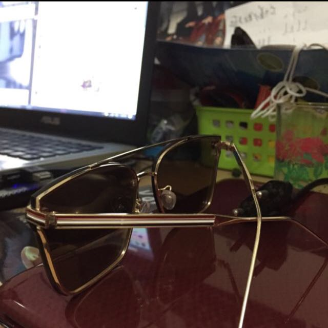 Kacamata kece