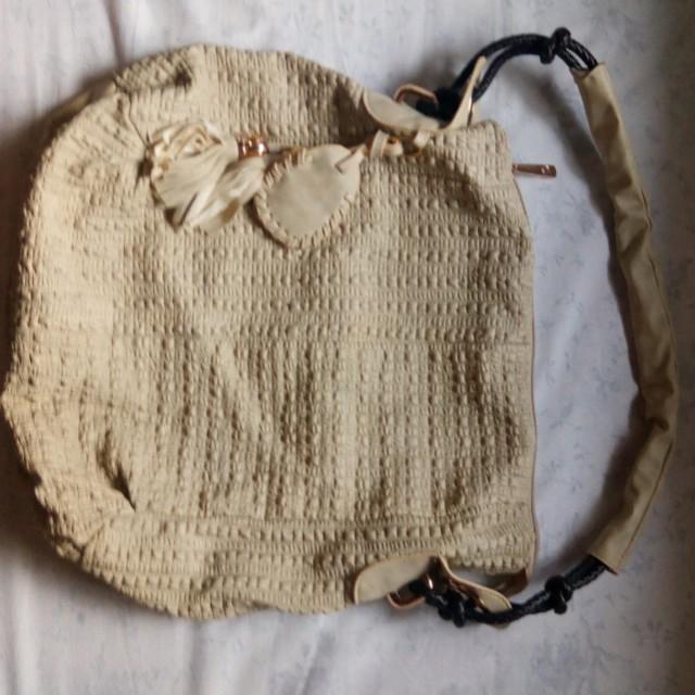 Large Hobo Bag in Nude