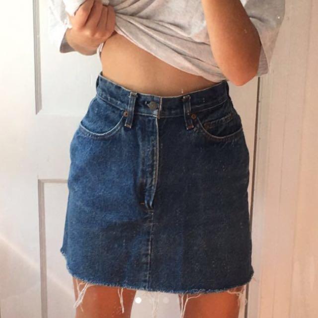 Levi vintage denim skirt!