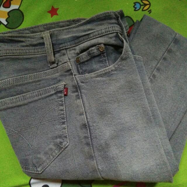 Logo jeans Abu - abu