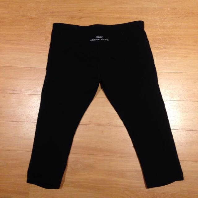 Lorna Jane 3/4 Leggings - Black, Size 8